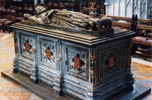 Tomb of King John in Worcester Cathedral