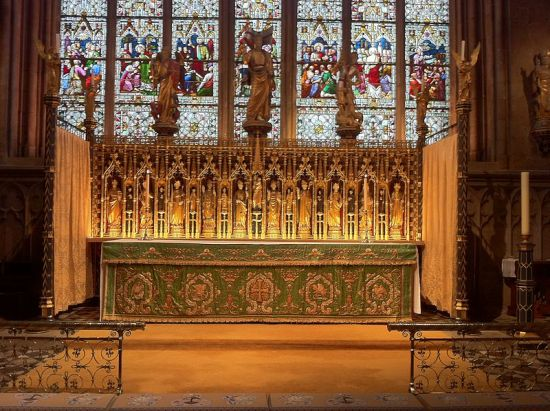 High altar of Ripon Cathedral, By Andrewrabbott (Own work) [CC-BY-SA-3.0 (http://creativecommons.org/licenses/by-sa/3.0)], via Wikimedia Commons