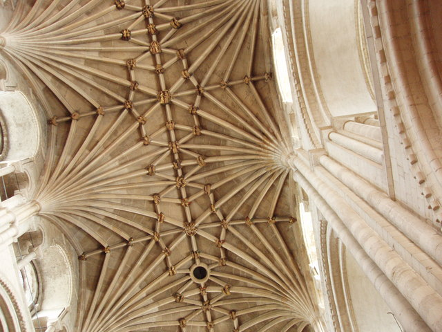 Vaulted nave roof of Norwich Cathedral, David Hawgood [CC-BY-SA-2.0 (http://creativecommons.org/licenses/by-sa/2.0)], via Wikimedia Commons