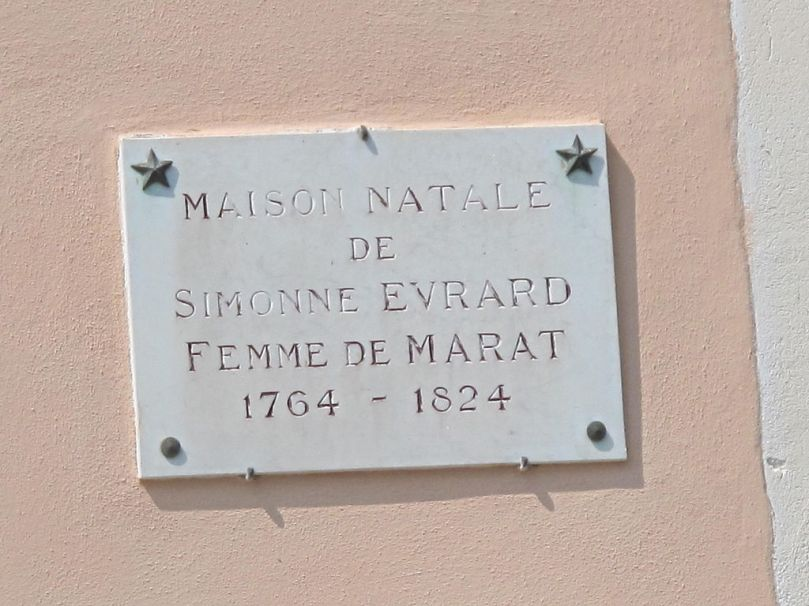 Plaque marking the birthplace of Simonne Evrard, wife of Marat