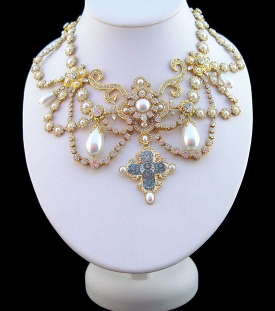 Dagmar Necklace (Attribution:  http://royalexhibitions.co.uk/queens-jewels/queens-necklaces/)