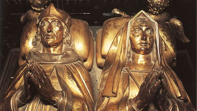 Effigies of Elizabeth of York and King Henry VII in the Lady Chapel of Westminster Abbey