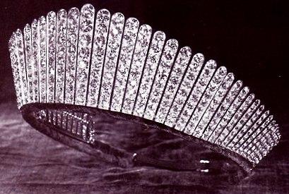 Kokoshnik Tiara (Attribution:  http://orderofsplendor.blogspot.co.uk/2012/04/queens-top-10-diamonds-7-alexandras.html)