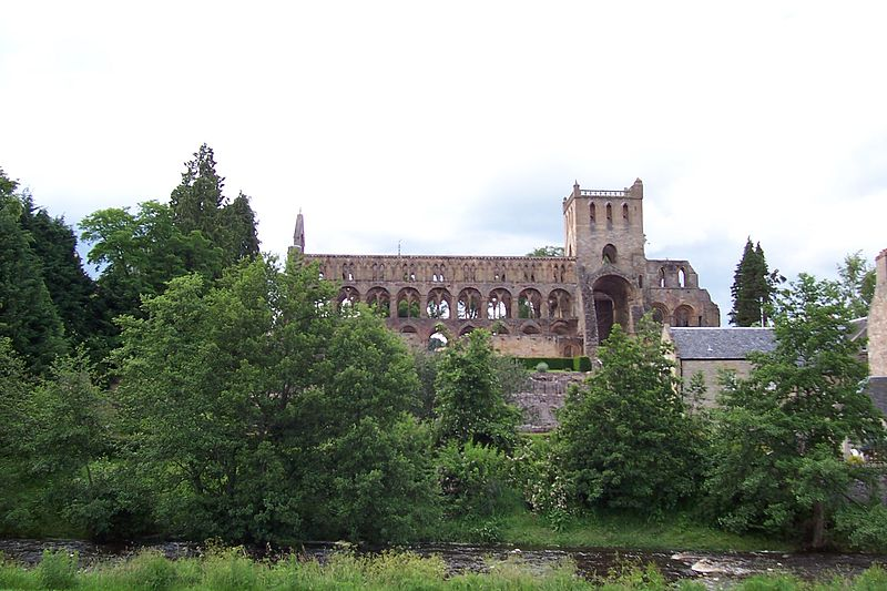 The remains of Jedburgh Abbey where Yolande and Alexander III were married