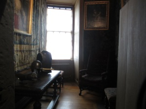 Closet off of Mary's bedchamber where she and Rizzio were dining when the conspirators entered.  Photo by the author.