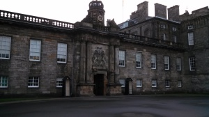 Entrance to the Royal Palace of Holyroodhouse (Photo by the author)