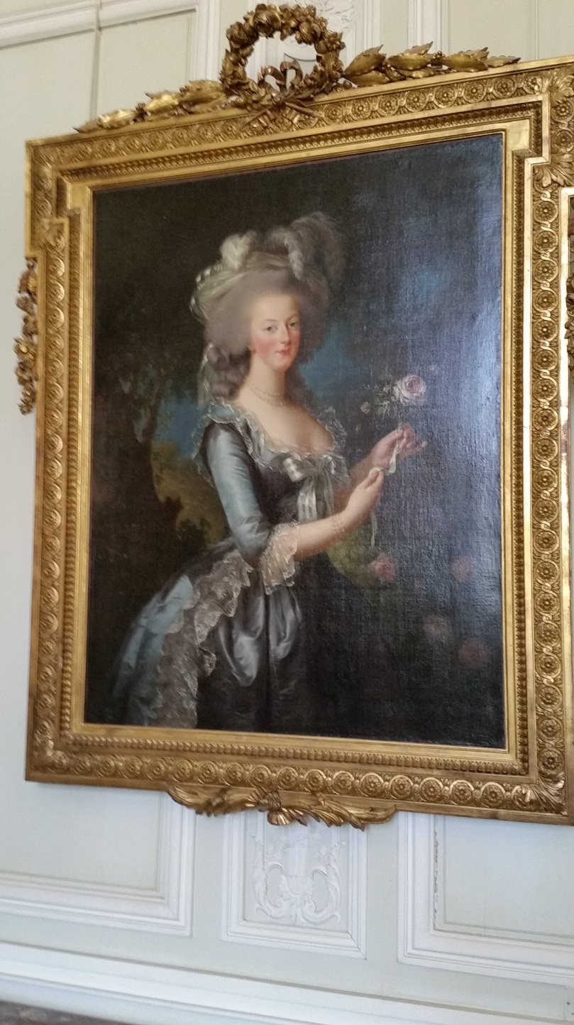 Marie Antoinette en Gaulle by Elisabeth Vigee Le Brun in the Petit Trianon (Photo copyright of The Freelance History Writer)